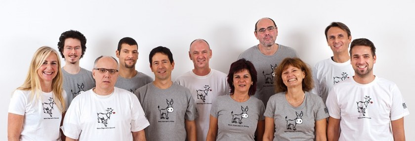 Decom-Team mit Caritasshirts